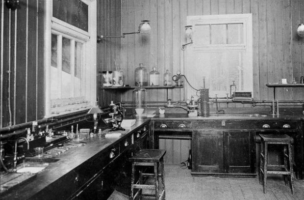 Photo of anthrax laboratory at Alperton Lodge in the 1910s